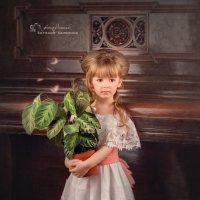девочка с цветком :: Евгения Малютина