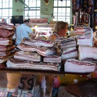 Ялтинский рынок. Ряд вкуснятины. :: юрий