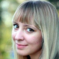 Взгляд молодой девушки :: Олег Лукьянов
