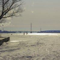 Лед на реке за поворотом... :: Юрий Стародубцев