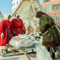 Юные представительницы коренных народов севера. :: Vasiliy Sorokhan