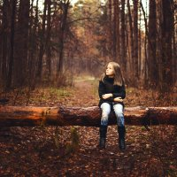 Александра в осеннем лесу :: Анастасия Крылова