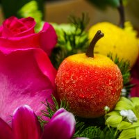 Букет с яблочком :: Сергей Гибков