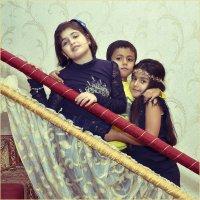 Дети на перилах :: Дмитрий Конев