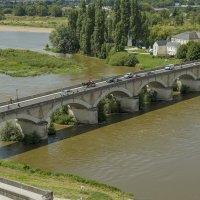 Мост Женераль-Леклерк к замку Амбуаз :: leo yagonen