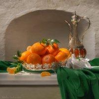 С мандаринами и кувшином :: Светлана Л.