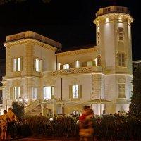 Villa De Luna поздним вечером :: M Marikfoto
