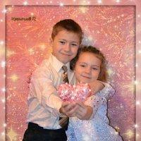 Судьба была ко мне добра  И оказала мне услугу,  С рожденья подарив подругу -  Тебя, любимая сестра. :: Ирина Малинина