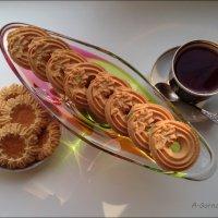 Печенье, наверно, придумал Бог, возможно, на день 8-ой. :: Anna Gornostayeva