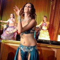 Танцует красавица Анна. :: Владимир Болдырев