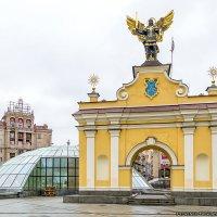 Скульптура Архангела Михаила - Киев (дневной вариант) :: Богдан Петренко