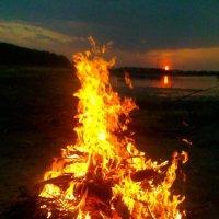 огонь и солнце :: Александра Азимцева