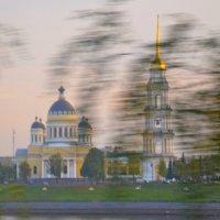 В ДОРОГЕ,  РЫБИНСК :: Виктор Осипчук