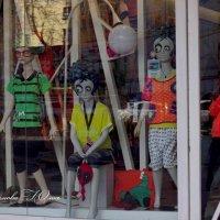 Сколько кукол на этом снимке? :: Юлия Пахомова