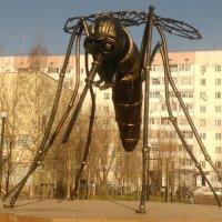 Памятник Комару г. Усинск РК :: Василий