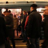движение в метро :: Елена Кечиева