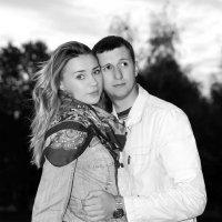 Молодая девушка и молодой парень :: Vitaliy Prost