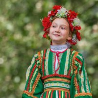 Девочка в национальном костюме :: Nn semonov_nn