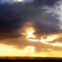 Восход, пожар в небе. :: Валерьян