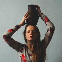 Книга Лиц - Девушка с кувшином :: Rudenko-Photography Александрия