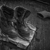 Военные ботинки :: Михаил Онипенко