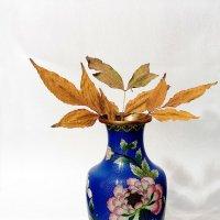 Ваза с засохшим листьями :: Валерий Дворников