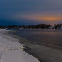 Поздний вечер на реке. :: Igor Yakovlev