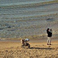Прогулки у моря. :: Leonid Korenfeld