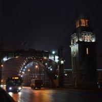 На мосту :: Наталья Левина