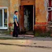 Чёрная курица и соседи :: Ирина Сивовол