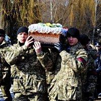 У Чернівцях проховали Владислава Трепко, який загинув в АТО :: Степан Карачко