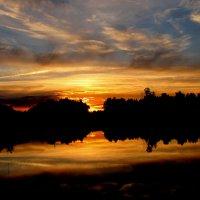 закат на озере :: alek48s
