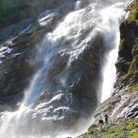 У одного из Софийских водопадов (нижняя часть водопада, примерно треть от всей его высоты) :: Vladimir 070549