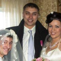 Ти ли, ти ли тесто, жених и две невесты :: Владимир Максимов