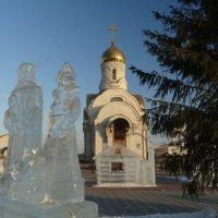 Святые у церкви :: Натали Акшинцева