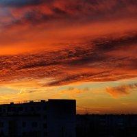 Таким вот видом из окна Закат февральский одарил....      (Шумилино. 20.02.2015. 18-30) :: Анатолий Клепешнёв