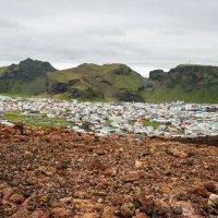 Вид с вулкана на бухту и город. Хаймей, Исландия, лето 2014-го. :: Olga Koroleva