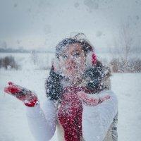 снег кружится, летает... :: Ната Анохина