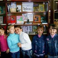 В школьной библиотеке :: Викторина Срыбна
