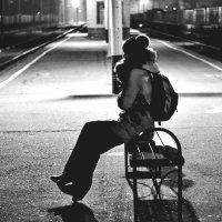 в ожидании ночного поезда :: Александр Клименко
