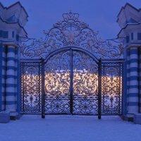Ворота парадного въезда во дворец. :: Ирина Нафаня