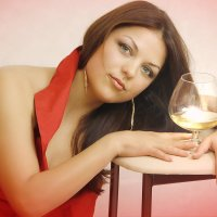 Девушка с бокалом :: Сергей Потапов