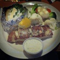Рыбка в ресторане у марины Санта Барбара :: Алексей Меринов