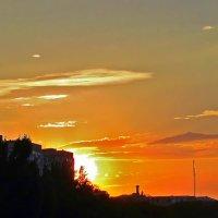 горело небо над бульваром :: Александр Корчемный