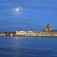луна над городом :: Елена