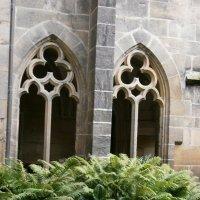 В монастырском саду... :: Алёна Савина
