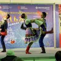 задорный танец-потанцуем :: Олег Лукьянов