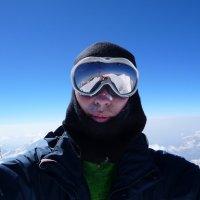 Селфи на восточной вершине Эльбруса. Высота 5621 м. :: Vladimir 070549