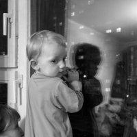 У ночного окна :: Алексей Окунеев
