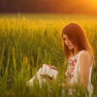 Девушка в поле :: Оксана Маркова